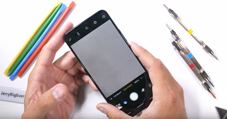 Необычный смартфон Vivo Nex S прошёл тесты блогера JerryRigEverything