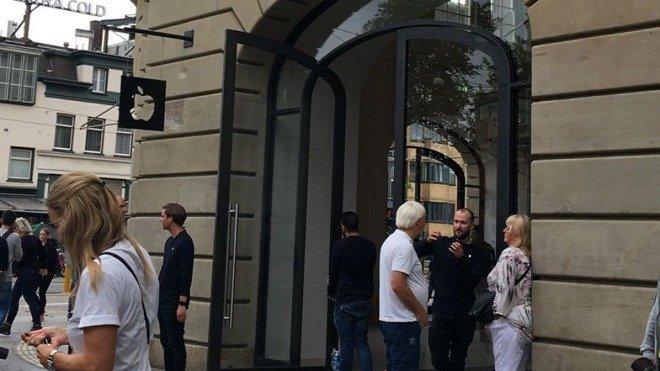 Вмагазине Apple взорвался iPad, людей довелось эвакуировать