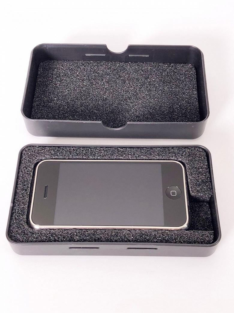 На eBay продаётся редчайший прототип оригинального iPhone