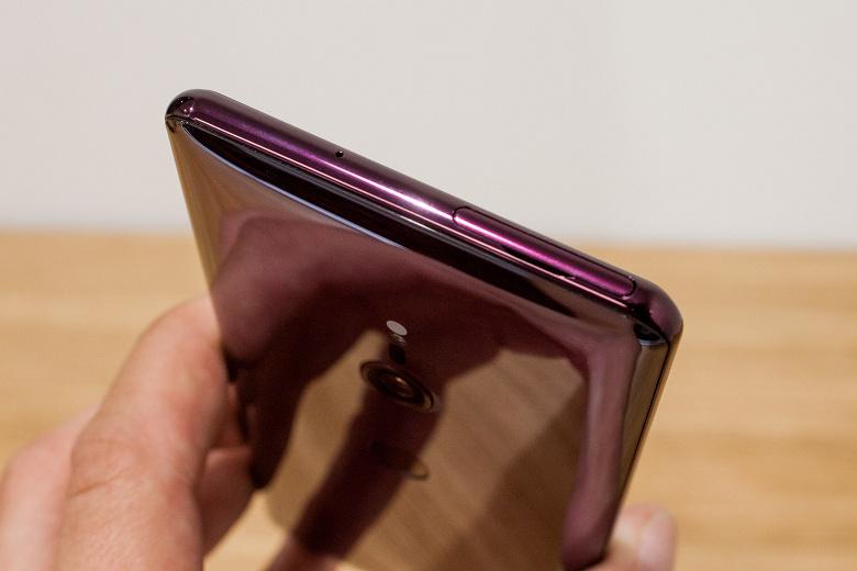 Представлен смартфон Sony Xperia XZ3