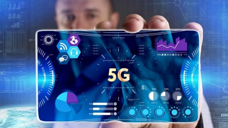 Первым производителем, который выпустит 5G-смартфон, хочет стать Oppo