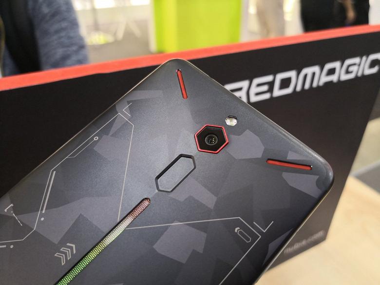 Новый игровой смартфон Nubia Red Magic 2 получил Snapdragon 845 и дополнительные кнопки