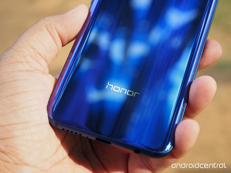 Первый смартфон Honor с поддержкой 5G выйдет в следующем году