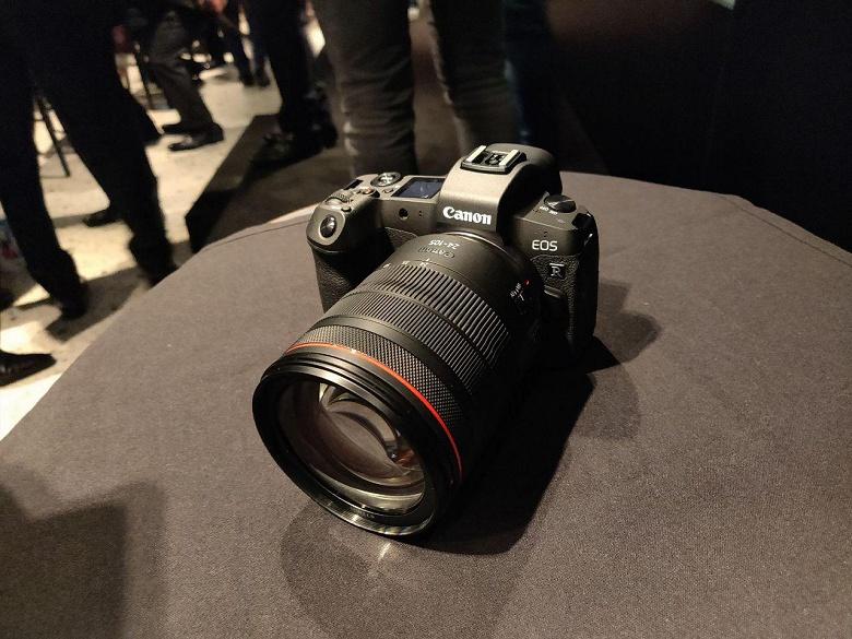 Первый взгляд на полнокадровую беззеркальную камера Canon EOS R