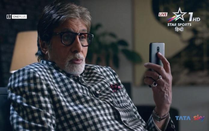 Легенда Болливуда Амитабх Баччан показал флагманский смартфон OnePlus 6T