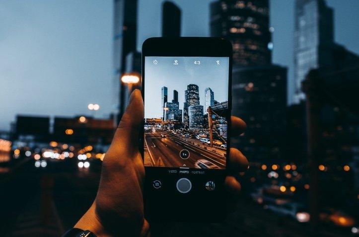 Российский рынок смартфонов вырос на 25%. Huawei оставила Apple далеко позади