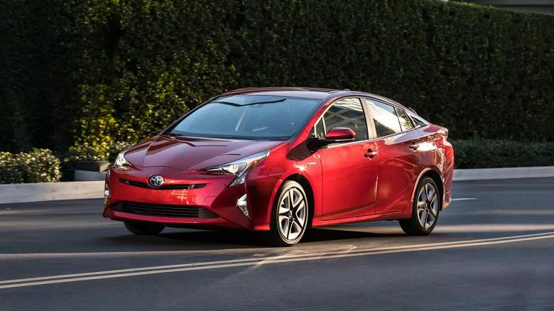 Toyota отзывает 1 000 000 гибридных автомобилей Prius