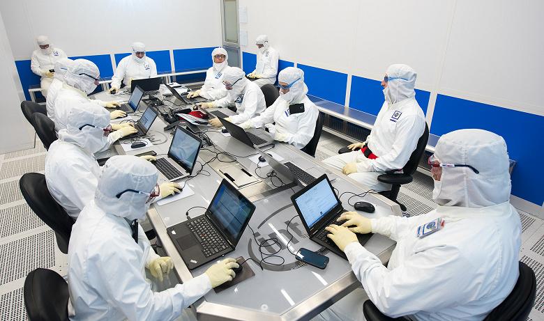 Intel может отстать от конкурентов в освоении новых технологических норм на 5-7 лет