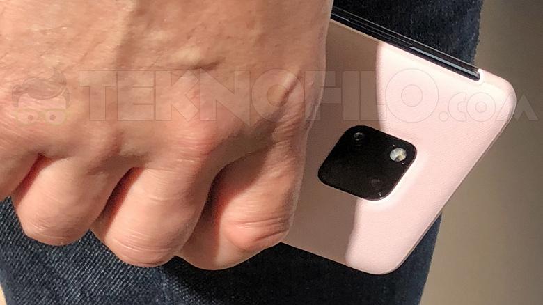 Фотогалерея дня: прототип смартфона Huawei Mate 20 Pro обнаружен на IFA 2018