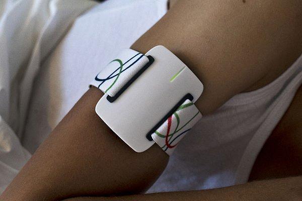 Разработанный в Нидерландах браслет призван спасать жизни эпилептиков