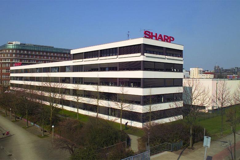 Компания Sharp нарастила чистую прибыль на 17,8% и повысила прогноз на год