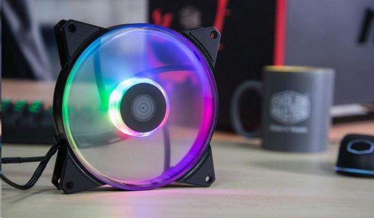 Каталог Cooler Master пополнили вентиляторы MasterFan типоразмера 120 мм и 140 мм с адресуемой подсветкой RGB