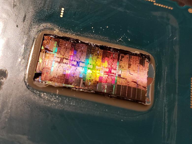 Фото дня: «радужный» CPU Intel Core i9-9900K после шлифовки