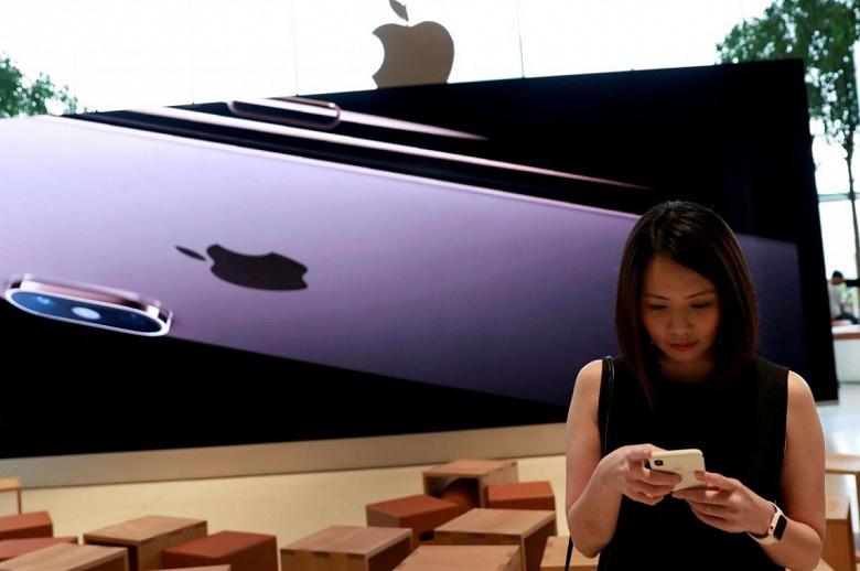Apple оценила право эксклюзивно поставлять модемы для iPhone в 1 млрд долларов