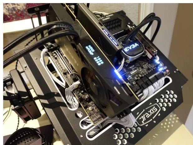 На дисплей оверклокерской 3D-карты EVGA GeForce RTX 2080 Ti Kingpin будет выводиться информация о напряжении и энергопотреблении