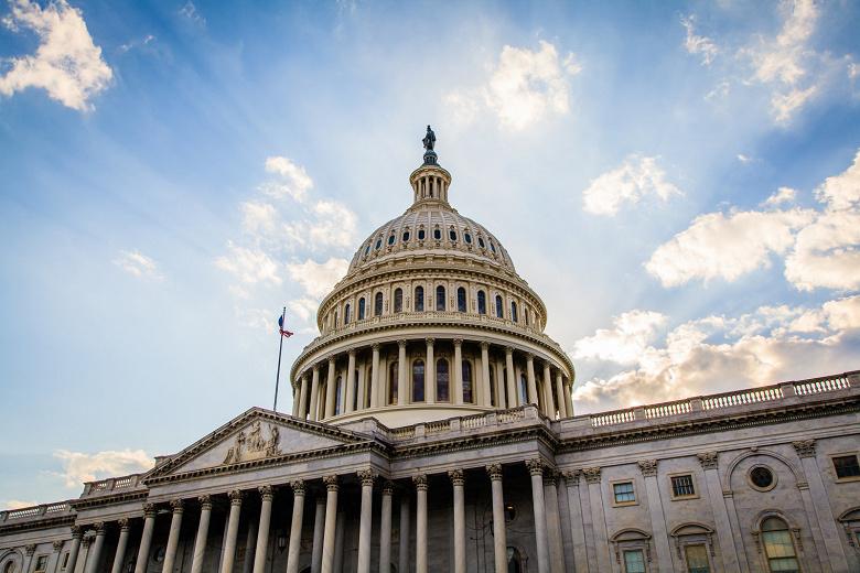 В США разгорается скандал с торговлей данными о местоположении абонентов сотовых сетей