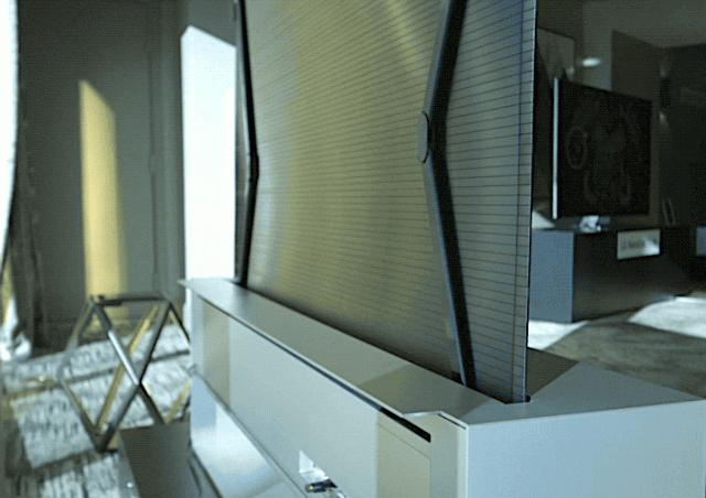 LG показала уникальный телевизор LG OLED TV R, который скручивается внутрь подставки