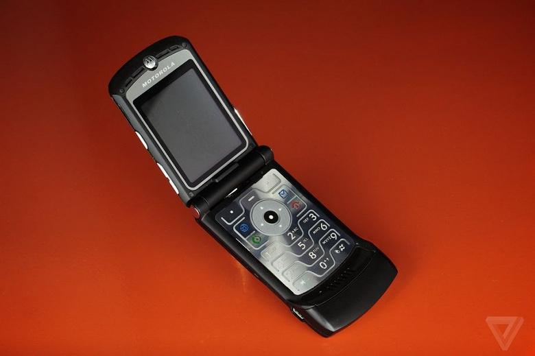 Цена легенды. Раскладушка Motorola RAZR со сгибающимся экраном обойдётся в 1,5 тысячи долларов