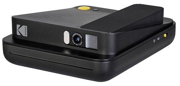 Под маркой Kodak выпущено две камеры моментальной фотографии