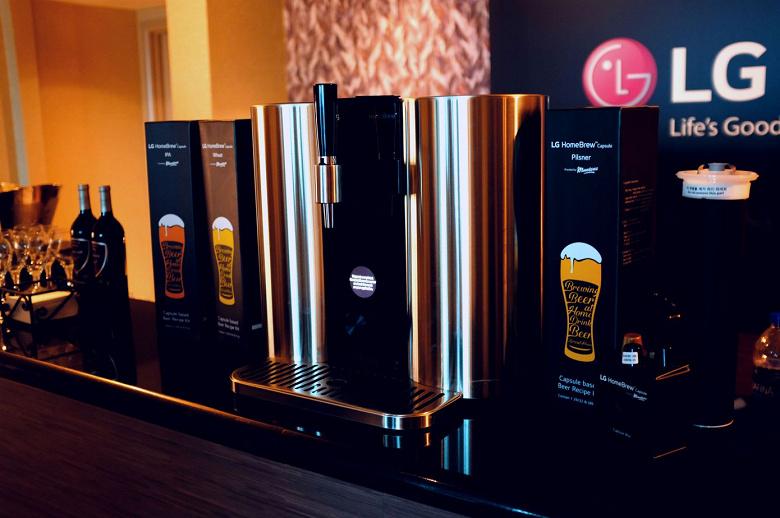 LG привезла на CES 2019 свою домашнюю настольную капсульную пивоварню HomeBrew