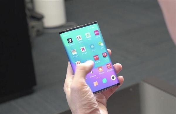 Xiaomi отвечает на критику: смартфон с гибким экраном является полностью оригинальной разработкой компании