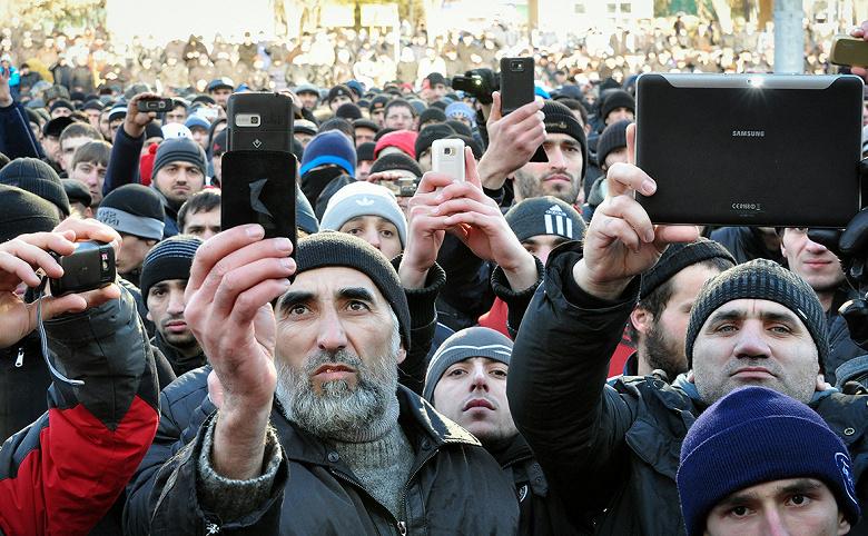В России могут ввести «налог» на смартфоны и счетчики ЖКХ