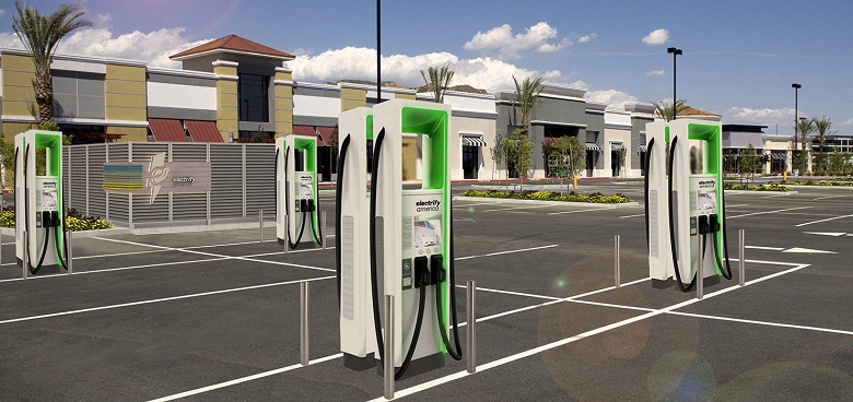 Electrify America закрыла все свои скоростные зарядные станции для электромобилей