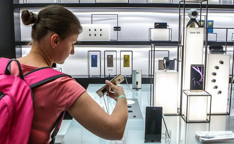 Антимонопольщики завели на Samsung дело из-за цен на смартфоны и планшеты в России