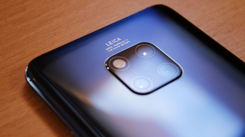 Huawei впервые в истории получила награду за лучший смартфон на выставке Mobile World Congress
