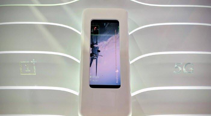 Флагман OnePlus 7 остался без беспроводной зарядки