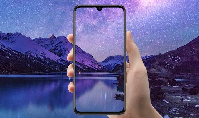 По просьбам трудящихся. Первое обновление флагманского смартфона Xiaomi Mi 9 изменило форму выреза