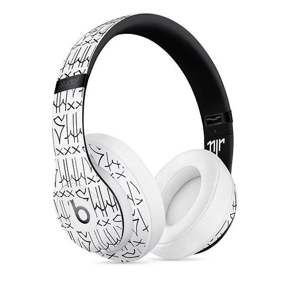Apple представила беспроводные наушники для фанатом Неймара и граффити