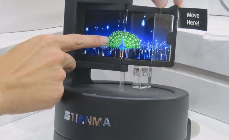 Компания Tianma показала прототипы прозрачной панели OLED и панели OLED, изготовленной методом струйной печати
