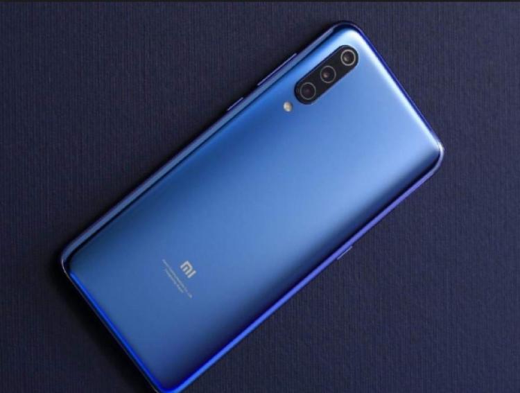 Xiaomi Mi 9 можно будет найти в свободной продаже с первого дня