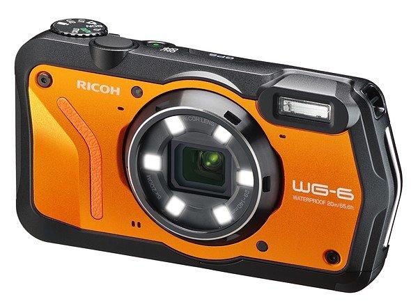 Камера Ricoh WG-6 выдерживает мороз до -10 °С, падения с высоты до 2,1 м и погружения на глубину до 20 м