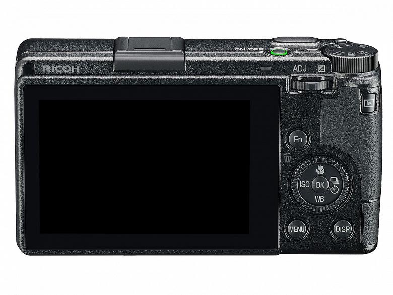 Ricoh отремонтирует камеры GR III с болтающимся диском управления по гарантии