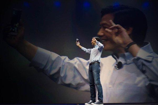 При чём тут флагманский Mi 9? Соучредитель Xiaomi делится крадеными советами по съёмке селфи