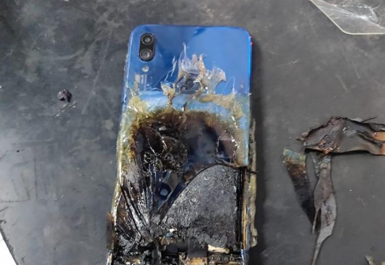Сверхпопулярный Redmi Note 7S воспламенился и сгорел, ответ Xiaomi смехотворен