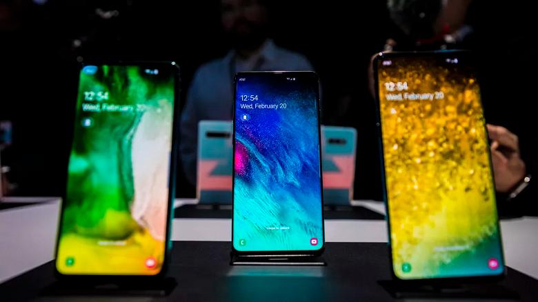 AMOLED победит ЖК-экраны на рынке смартфонов только в 2023 году