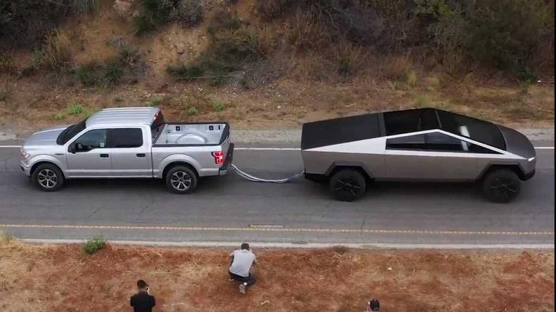 Грядёт битва между Tesla Cybertruck и Ford F-150