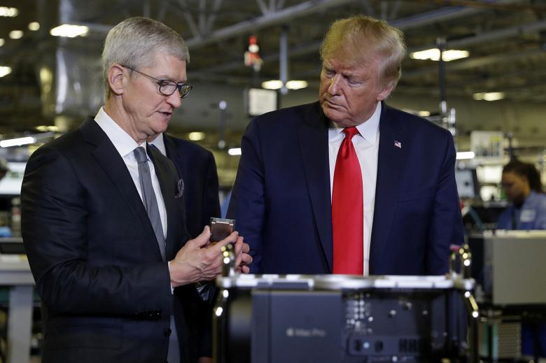 Когда сам президент на твоей стороне. В противостоянии Apple и Samsung купертинцам может помочь Дональд Трамп