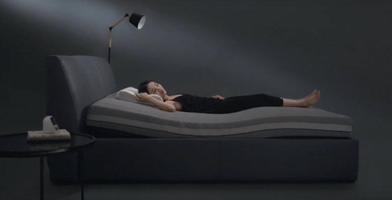 Умная изгибающаяся кровать Xiaomi по цене недорогого матраса
