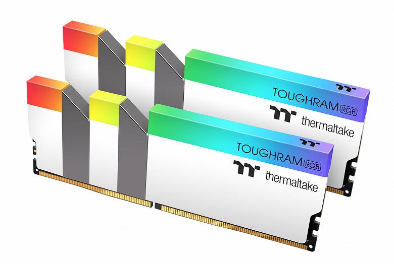 Ассортимент Thermaltake пополнил набор модулей памяти TOUGHRAM RGB White Edition DDR4-3600