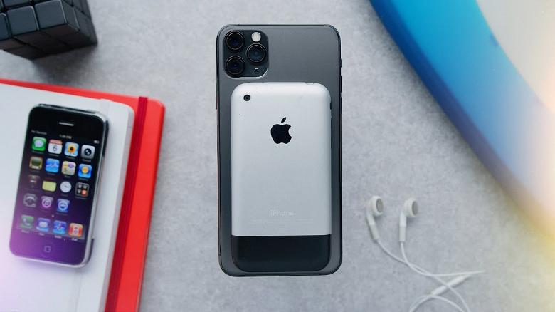 Разница в 12 лет. Самый первый iPhone сравнили с новейшим iPhone 11 Pro