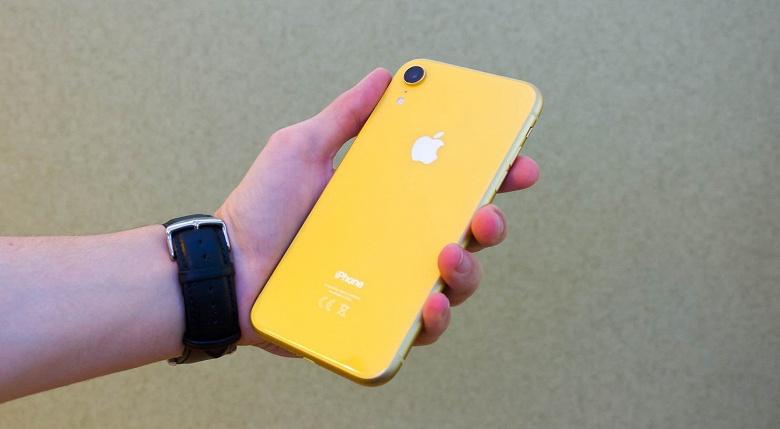 Смартфоны Samsung и Apple признали опасными для здоровья
