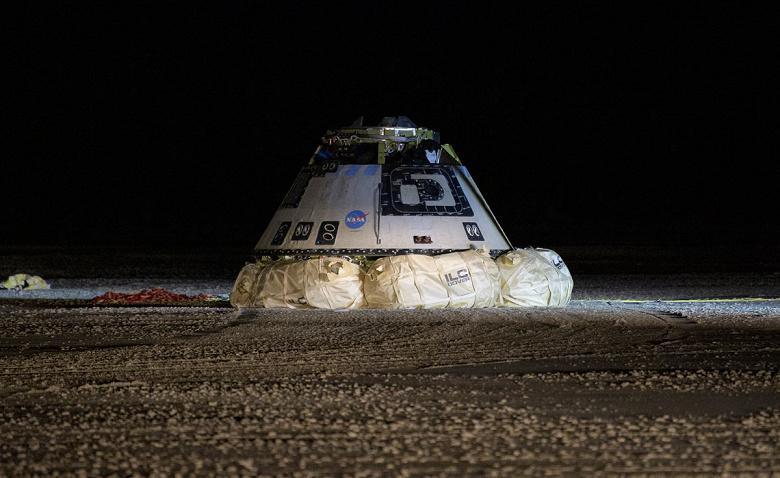 Космический корабль Boeing CST-100 Starliner успешно приземлился