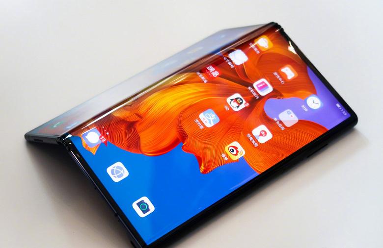 Готовится удешевленная версия гибкого смартфона Huawei Mate X