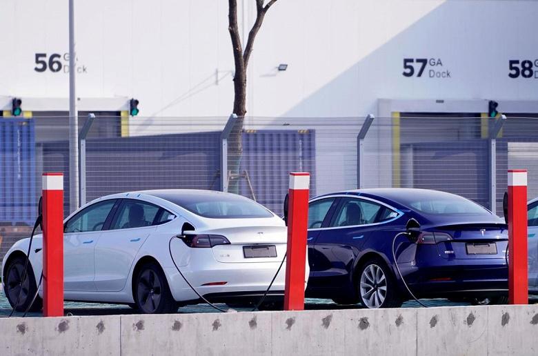 Tesla одолжит у китайцев еще 1,4 млрд долларов