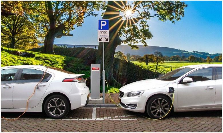 Продажи пассажирских электромобилей упали на 21%