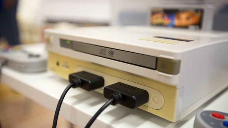 Уникальную игровую приставку Nintendo Play Station, существующую в единственном экземпляре, продадут с аукциона